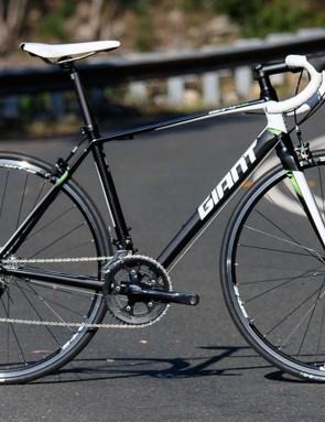 The 2016 Giant Defy 3 is a confident ride and offers plenty of comfort
