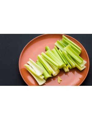 Celery may help you increase blood and oxygen delivery to the muscles