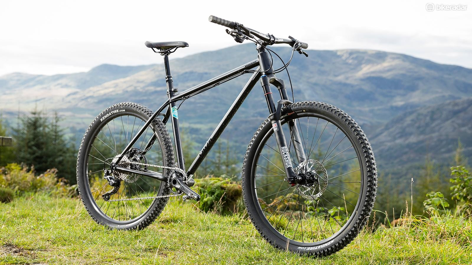 At the heart of Onza's Jackpot is a gorgeous steel frame