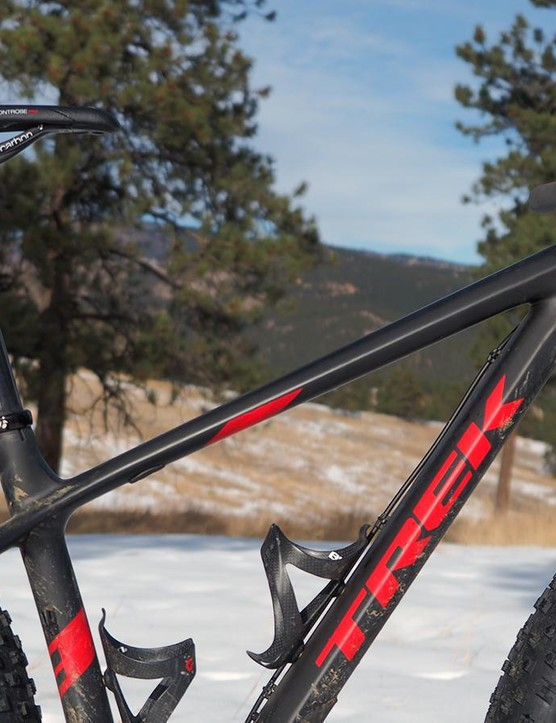 The low slung top tube offers heaps of standover clearance – a good thing when a dismount might result in your leg sinking deep into freshly fallen snow