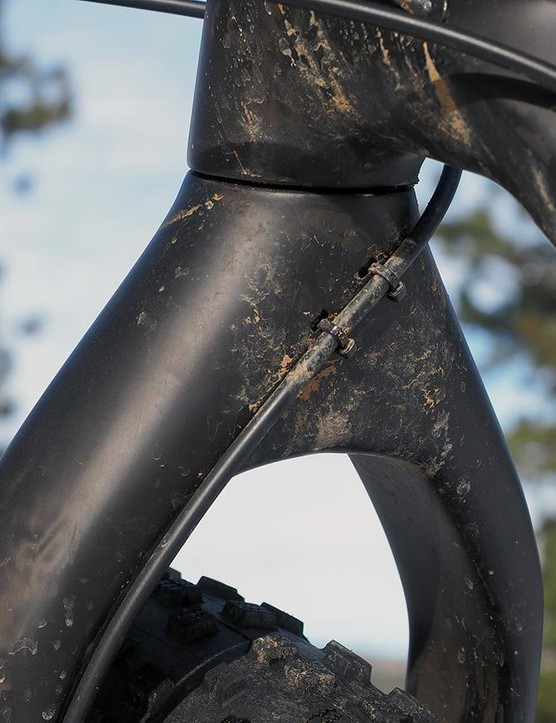 Nice job on the cable routing, Trek! The lines don't rattle on the trail and there's no frame rub. Every bike should be done this well