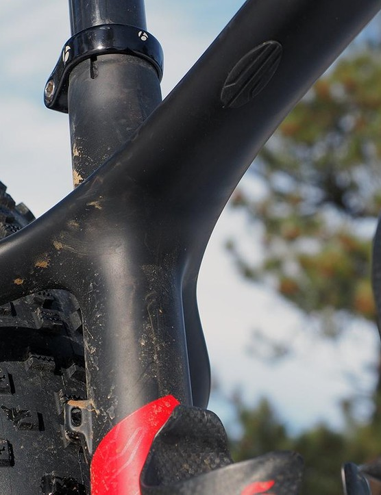 The Farley 9.8 is compatible with front derailleurs
