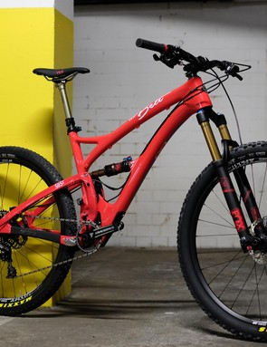 The Yeti Beti is based around the unisex SB5c frame, with female-friendly contact points and a striking coral finish