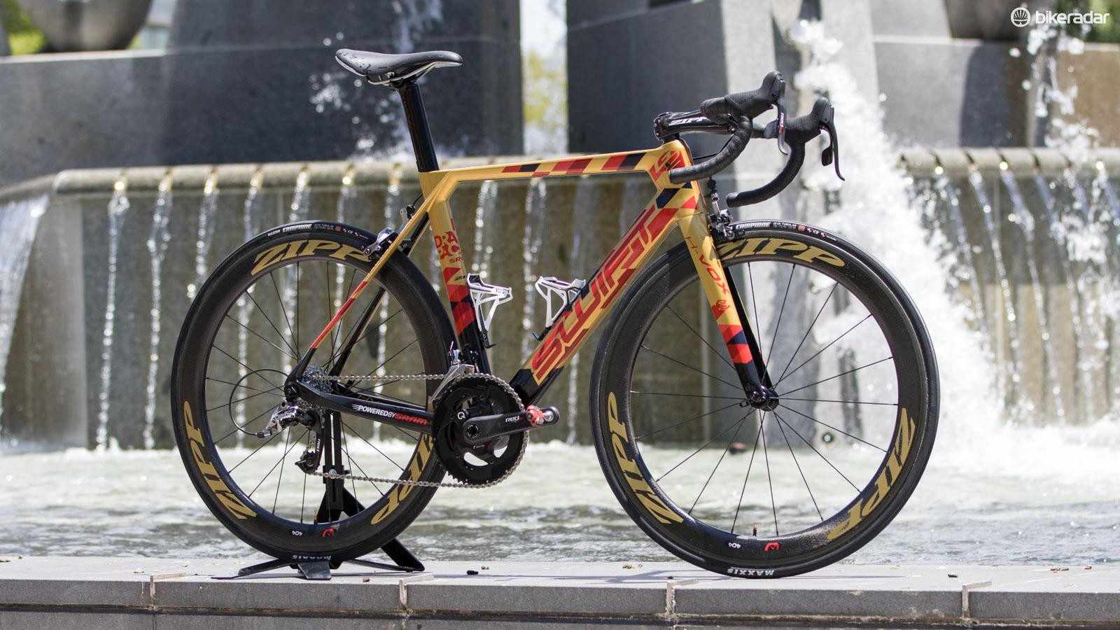 Beneath the special paint, this pro bike hides a brand new SwiftCarbon aero road frame - the HyperVox