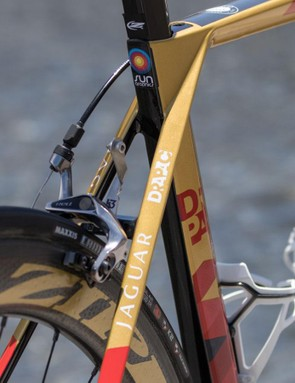 The aero focus ends beyond the Kammtail-shaped seat tube, from there, the seatstays focus on ride quality