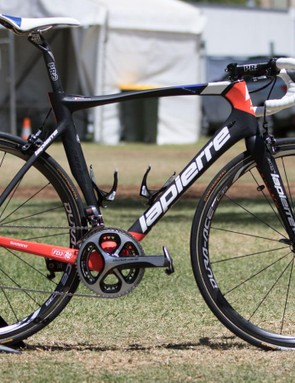 The bikes of FDJ look rather unchanged from last year, here's the Lapierre Aircode SL