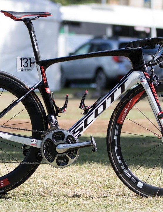 Swiss team IAM Cycling Scott are now using Syncros components in place of last year's Ritchey. Here's the new Foil team bike