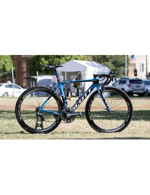 Orica-GreenEdge appear to be racing their home race on last year's bikes. A little strange given Simon Gerrans is a favourite for the win and other Scott-sponsored team, IAM Cycling, have the new Foil. If the new Foil's appear, we'll update this story
