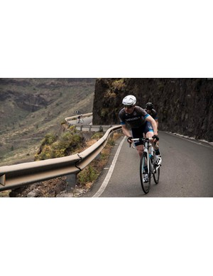 Attacking the endless climbs aboard a Centaur and Scirocco-equipped bike