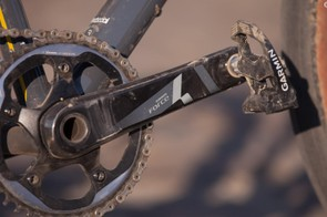 I brought two sets of Garmin's one-sided Vector power meter pedals so we could compare the Mason with its 650b/47mm setup to my coworker's borrowed Scott Foil with its 700c/28mm rubber