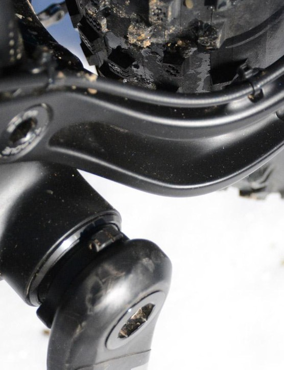 A press fit 121mm bottom bracket is in the middle and notice how the rear brake hose is perfectly managed