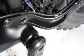 A press fit 121mm bottom bracket is in the middle, and notice how the rear brake hose is perfectly managed