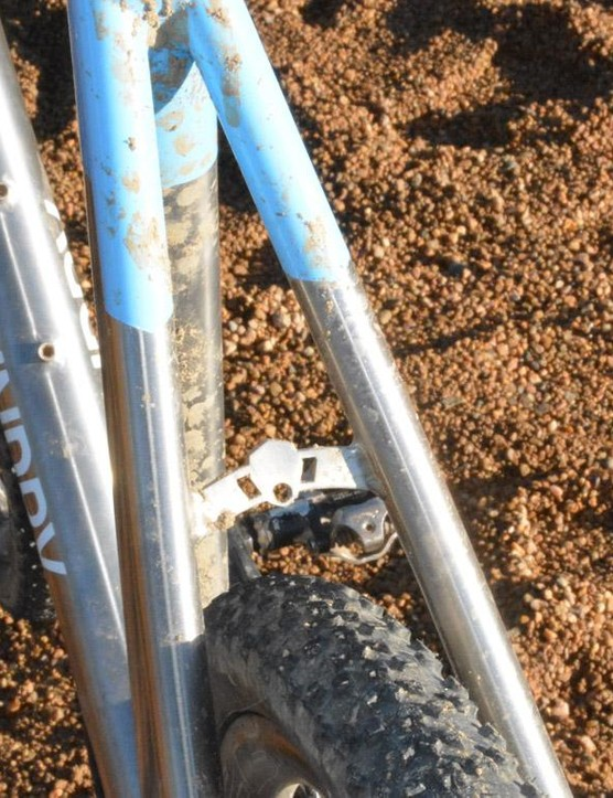 Plenty of room for mud and nasty stuff. We're somewhat surprised Foundry didn't brand the little seatstay brace more
