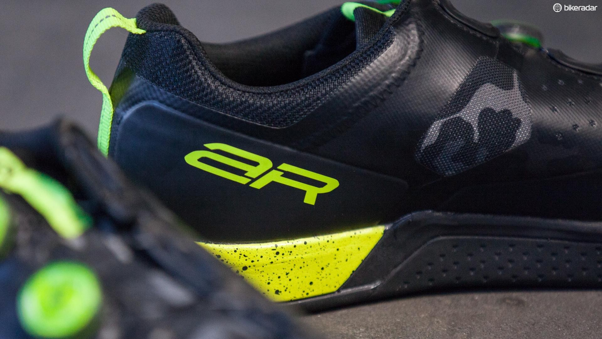 Shoes for all-round riding