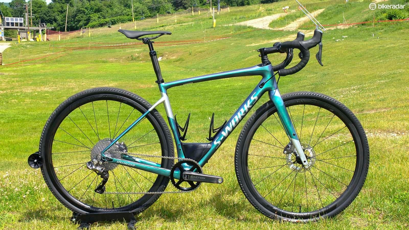 The new Specialized S-Works Diverge in standard spec, with 700c carbon rims and 38mm tyres