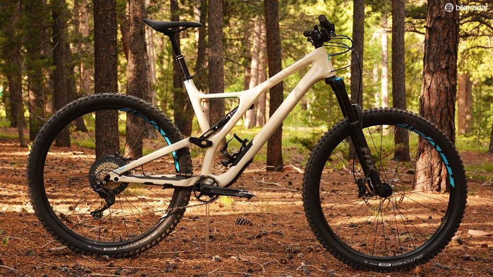 4d6adea1097 Specialized's Stumpjumper Comp Carbon 29 is the brand's entry level carbon  trail bike