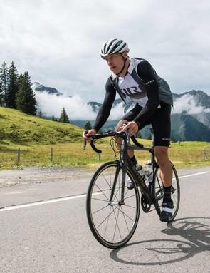 The new Giro Chrono road clothing features Italian fabrics and design