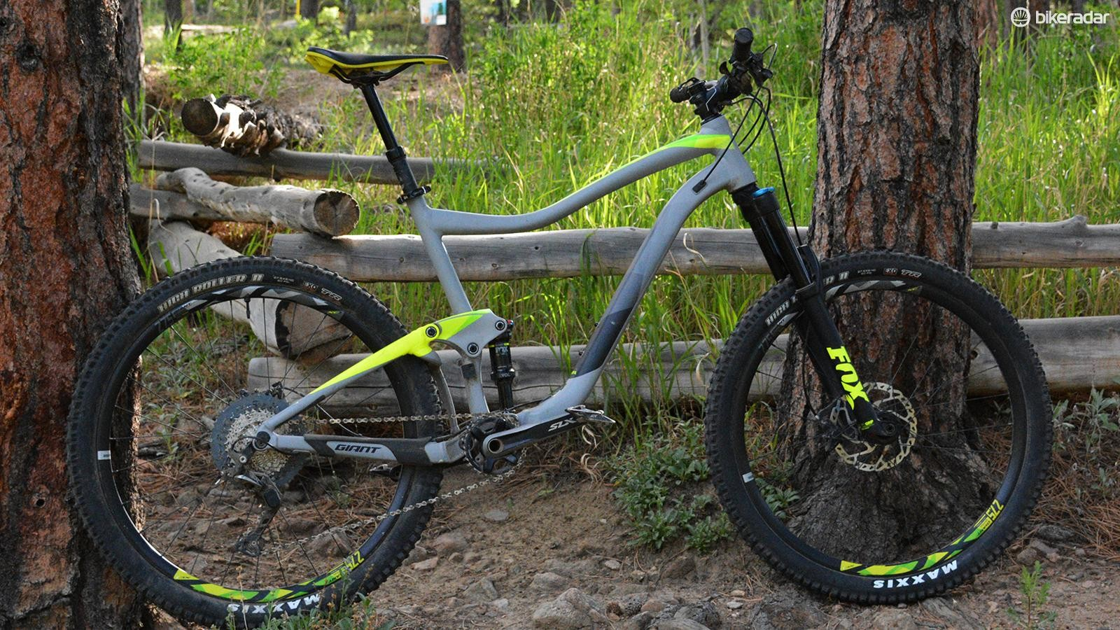 Giant's Trance 2 features 27.5in wheels and 150/140mm front and rear travel