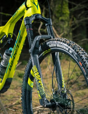 Whyte uses a custom short fork offset to make the handling more predictable and less floppy. I approve of this