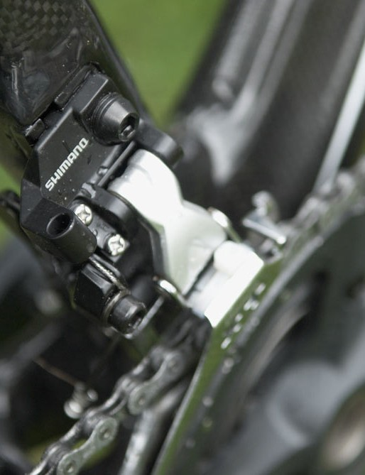 Rocky Mountain says the new direct mount front derailleur allows for more liberties in shaping the bottom bracket area.