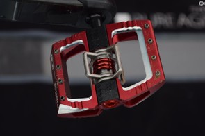CrankBrothers' new Mallet DH pedals were also a common sight, although many top riders are still using the more enduro-orientated Mallet E