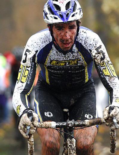 Todd Wells uses his cyclo-cross season as preparation for the mountain biking season.