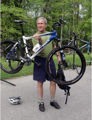 Bush shows off his Trek ste