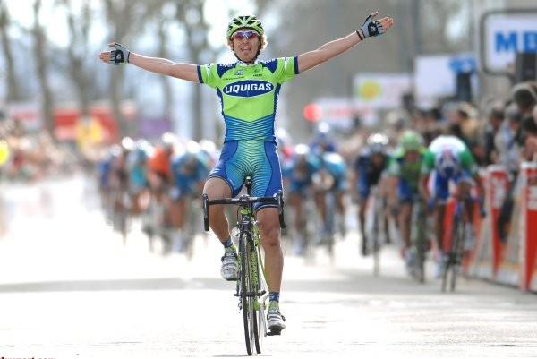 Cycling : Paris - Nice / Stage 2 Arrival / PELLIZOTTI Franco (Ita) Celebration Joie Vreugde / BENNATI Daniele (Ita) / PAOLINI Luca (Ita) Vatan - Limoges (177 Km) /  UCI Pro Tour / Stage Rit / (c)Tim De Waele