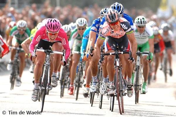 Cycling : 95e Scheldeprijs Arrival Sprint / CAVENDISH Mark (Gbr) /  MCEWEN Robbie (Aus) / STEEGMANS Gert (Bel)  Antwerpen / Anvers - Schoten (197 Km) (c)Tim De Waele