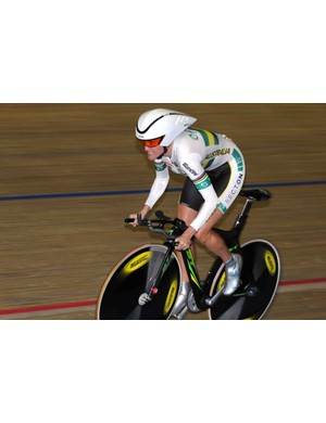 Katie Mactier (Australia) accelerates on to her first lap in qualifying for the women's pursuit