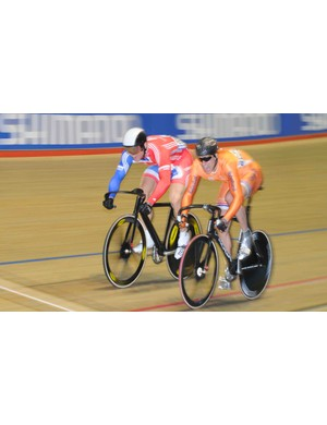 Chris Hoy (Great Britain) overcame Theo Bos (Netherlands) in a very closely fought duel