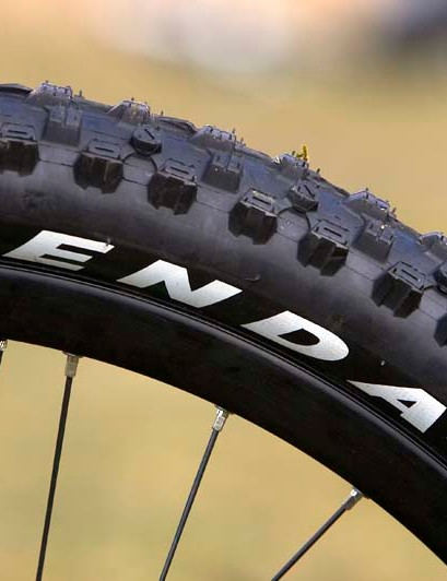 Kenda tyres and Joe's No Flat's tubeless system and tyre sealant kits