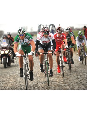 Hushovd and Cancellara lead the chase on the cobbles