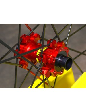 The Crossmax SLR will also sprout a 20mm TA version for '09 with wider hub flanges for a stiffer wheel.
