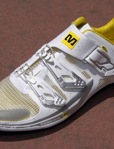 The lightest Huez model is claimed to weigh just 195g for a single UK sz8.5 shoe.