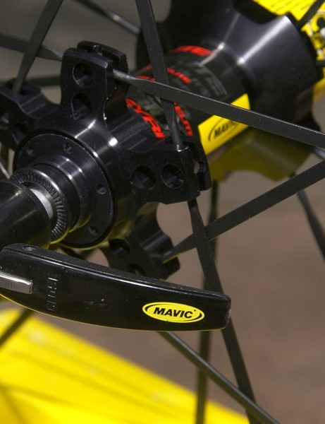 It's a detail that most don't even think about but it's significant nonetheless; the '09 Ksyrium Elite now gets Mavic's higher-end skewers, too.