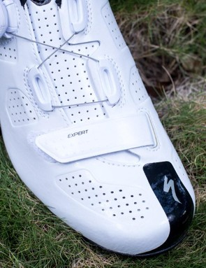 There is still a velcro adjustment over the toe box