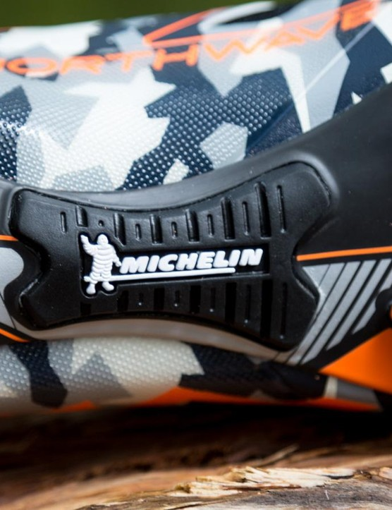 We're big fans of the rubber pad in the middle of the shoe as it provides a bit of extra traction in hairy situations