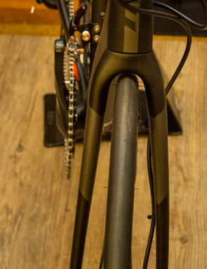 Giant tells us the Contend can handle up to a 28c tyre, and we believe it
