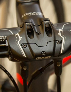 To get semi-hydraulic brakes the Contend SL1 Disc uses this cable to hydraulic converter on the stem