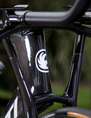 With the handlebars connected directly to the fork it has allowed Avanti to significantly reduce the headtube profile