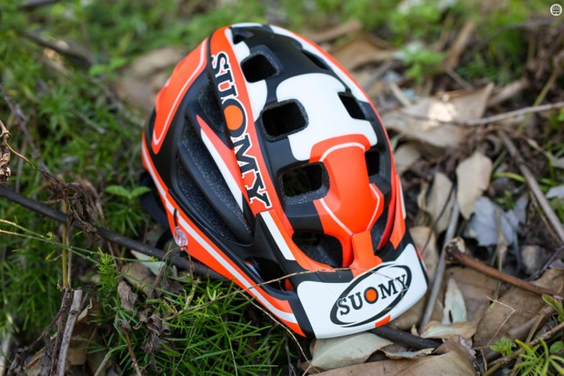 Suomy's Scrambler lid has plenty of vents on offer and an adjustable peak