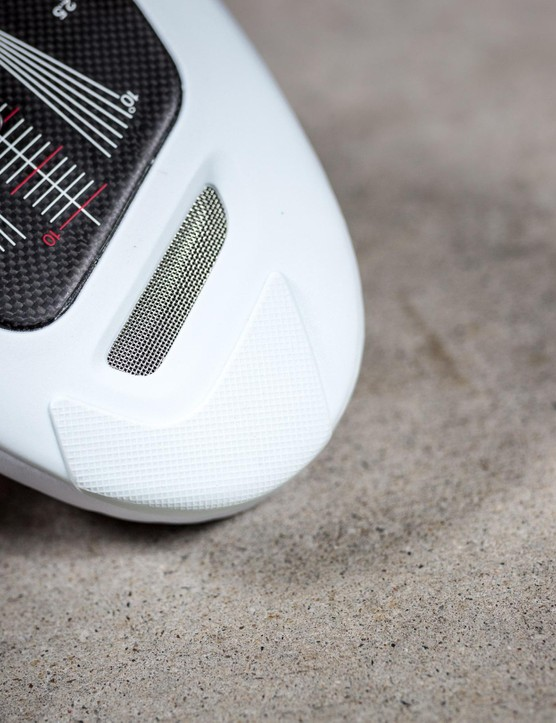 There is a vent at the toe and under the heel