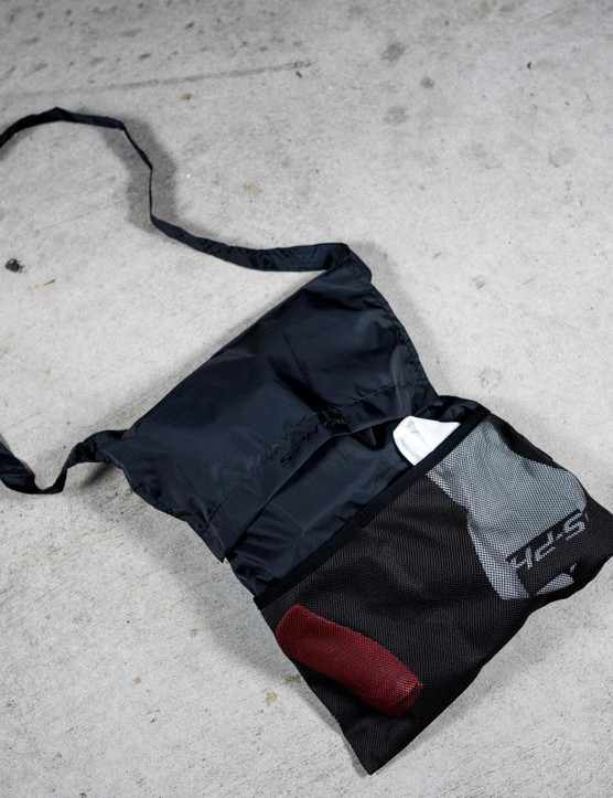 The shoes come with a musette style carrying back