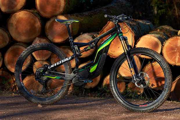 Cannondale worked hard to lower the Moterra's centre of gravity as much as possible, shifting the battery as far down the downtube as possible and housing it in its 'Torsion Box'