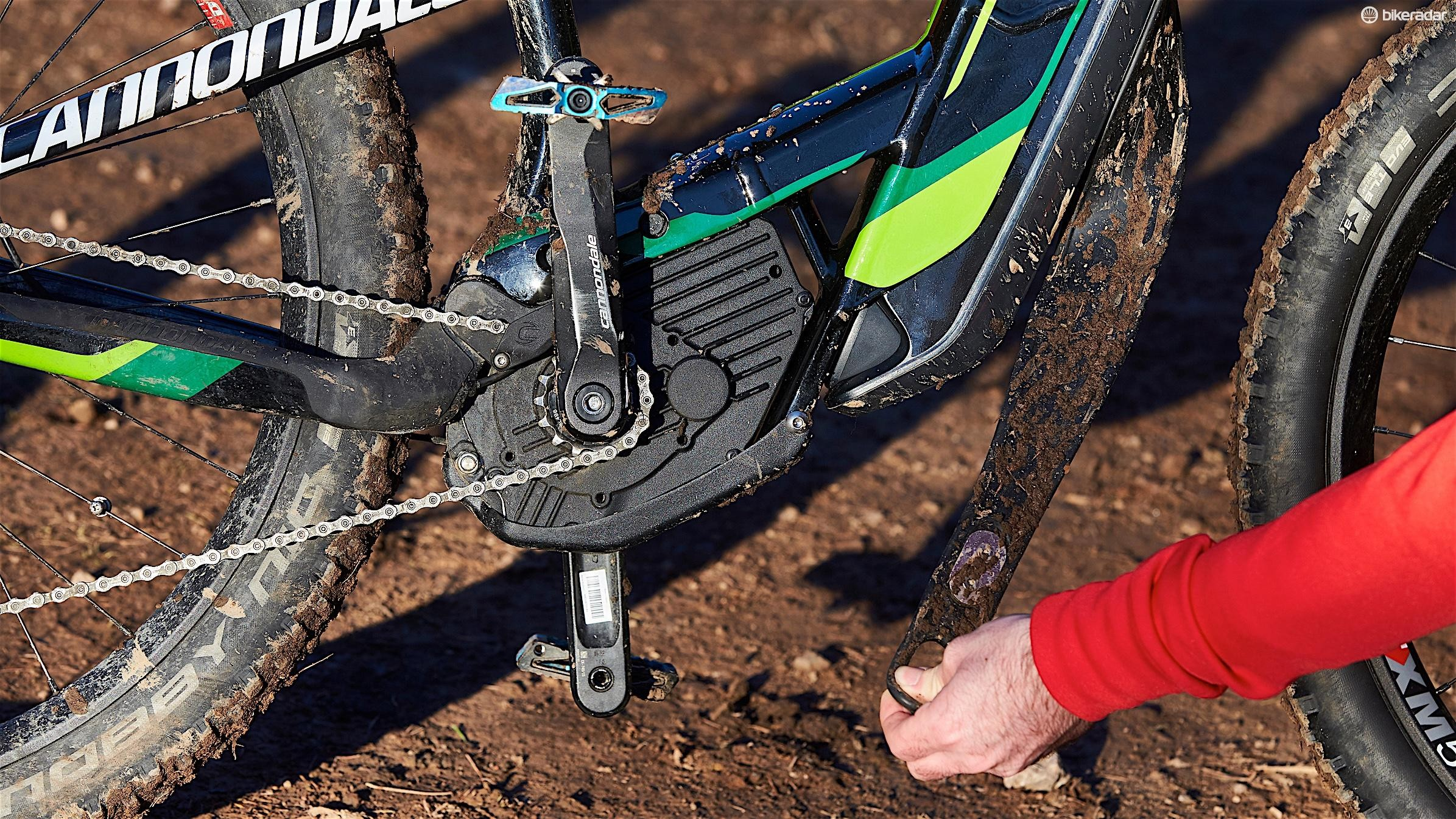 To add battery security and a bit of extra protection, the Moterra features the 'BatStrap'. This helps to securely harness the battery inside the frame, attaching underneath the Bosch 250w motor