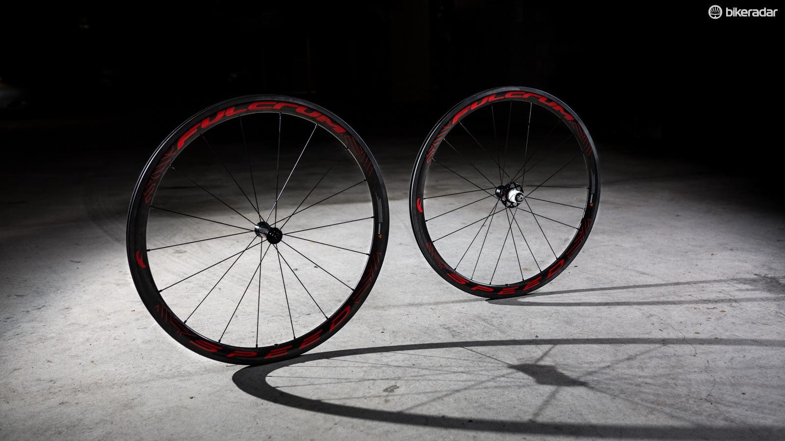 Fulcrum says its new Speed 40 offers the performance benefits of a tubular wheelset without the hassle of tubular tyres