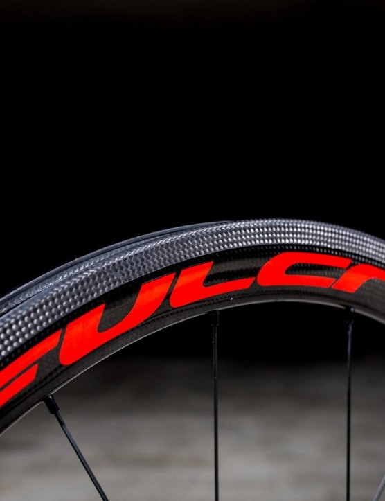 The Speed 40s get Fulcrum's 3Diamante brake track
