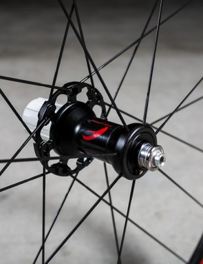 And the rear gets 21 in a 2-to-1 arrangement around an alloy hub shell