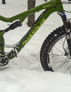 The RockShox Bluto leading the way can get overwhelmed due to its spindly chassis